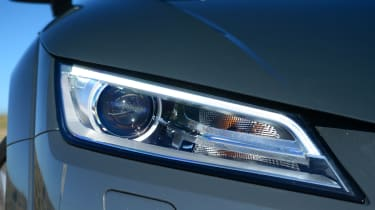 Audi TT Ultra - lights