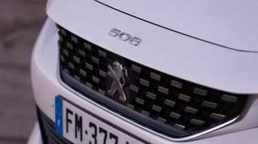 Peugeot 508 Hybrid - grille
