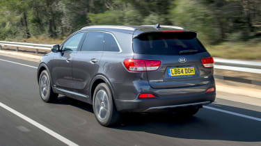 Kia Sorento KX-2 - rear tracking