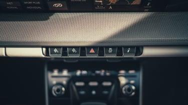 Porsche 911 Carrera S - buttons