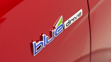 Hyundai Sonata Hybrid badge