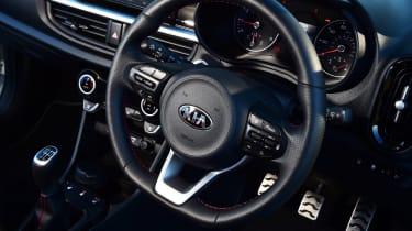 Kia Picanto - steering wheel