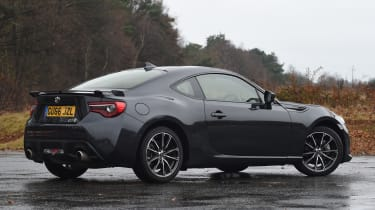 Toyota GT 86 2017 facelift - rear quarter