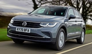 VW Tiguan driving