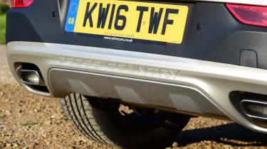 Volvo V40 Cross Country - rear detail