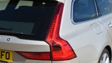 Volvo V90 2016 - rear light