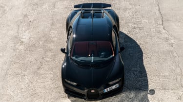 Bugatti Chiron - full above