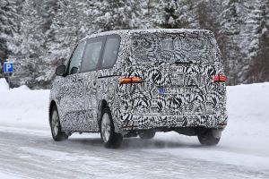 Volkswagen Transporter T7 spy - rear