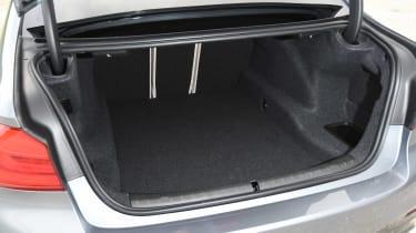BMW 520d M Sport - boot