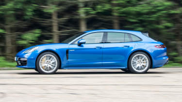 Porsche Panamera Sport Turismo 2017 review - side