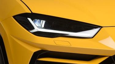 Lamborghini Urus - studio front light