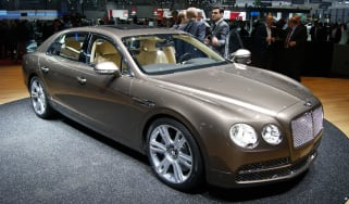 Bentley Flying Spur front tracking
