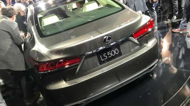 Lexus LS official 2017 - Detroit rear