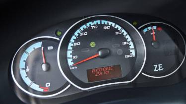 Renault Kangoo Z.E. - dials