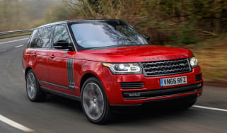 Range Rover SVAutobiography Dynamic 2017 - front cornering