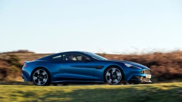 Aston Martin Vanquish S - side tracking