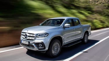 Mercedes X-Class - front tracking