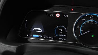 Nissan Leaf e+ - instruments