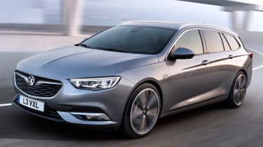 Vauxhall Insignia Sports Tourer 2017 - front tracking 3