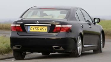 Lexus LS460 SE-L rear view