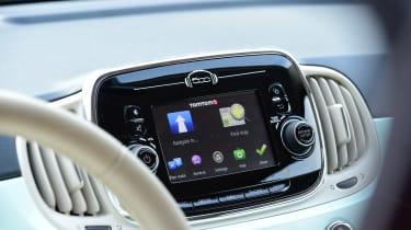 Fiat 500C 2015 sat-nav