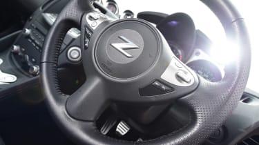 Nissan 370Z - steering wheel