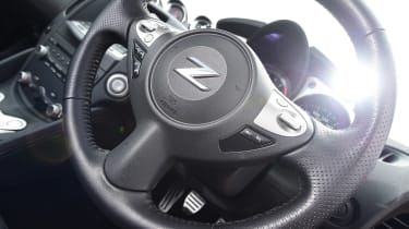 Nissan 370Z - steering wheel