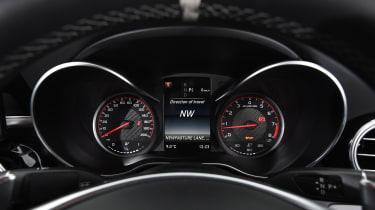 Mercedes-AMG C 63 Cabriolet 2017 - instruments