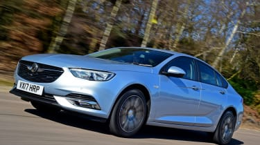 Vauxhall Insignia Grand Sport 2017 - front tracking 2