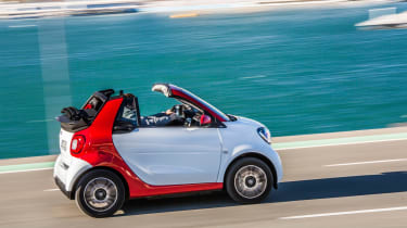 Smart ForTwo Cabrio 2016 - side tracking 2