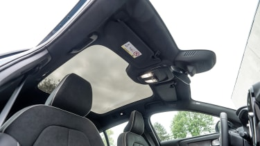 Volvo C40 Recharge - panoramic roof