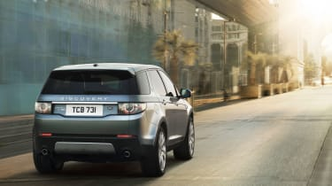 Land Rover Discovery Sport rear tracking