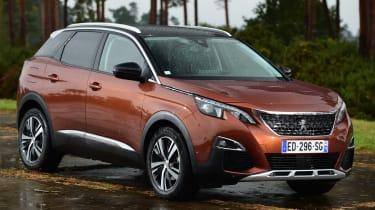 Peugeot 3008 brown - front quarter