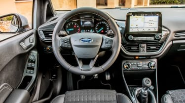 Ford Fiesta Active - dash