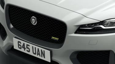 Jaguar F-Pace 300 Sport - grille