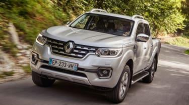 Renault Alaskan - front tracking