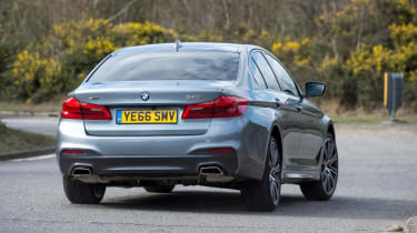 BMW 540i - rear cornering