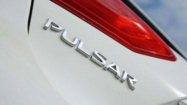 Nissan Pulsar - badge
