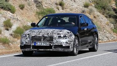 BMW 5 Series facelift - spyshot 9