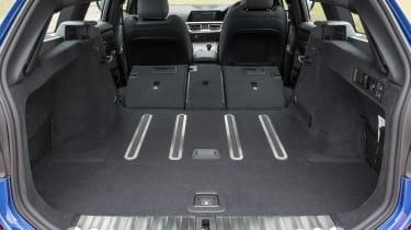 BMW 320d xDrive Touring - boot seats down