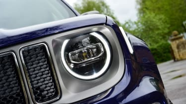 Jeep Renegade - front light