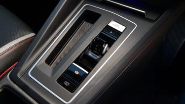 Volkswagen Golf GTI - control