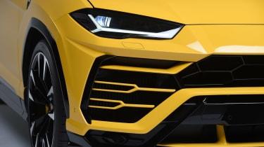 Lamborghini Urus - studio front detail