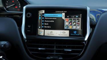 Peugeot 208 1.6 VTi Allure display