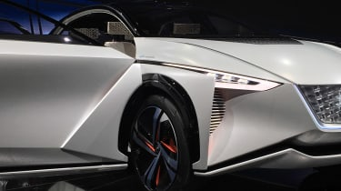 Nissan IMx SUV concept - Tokyo front detail