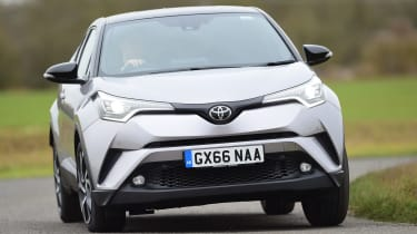 Toyota C-HT 1.2 Icon 2017 - front cornering