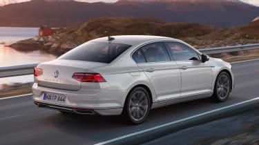 Volkswagen Passat GTE - rear action