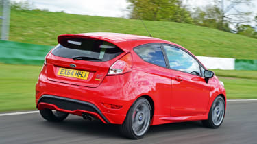 Ford Fiesta ST Mountune - rear tracking