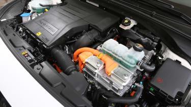 Hyundai Ioniq Plug-in hybrid - engine