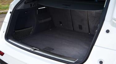 Audi Q5 40 TDI - boot